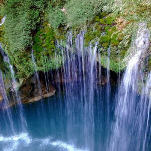 عکس - عجيب ترين و ترسناک ترين آبشار ايران