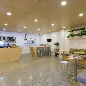 عکس - بازسازی کافی شاپ زیبای Excelso Coffee در نیوزلند اثر Bubble Interiors