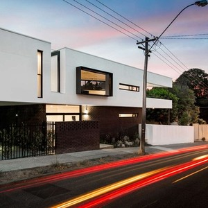 عکس - خانه ای با پلان مثلث شکل