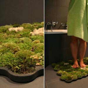 عکس - فرش سبز خزه ای در حمام شما