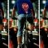 عکس - دوچرخه ای با قابلیت نشان دادن علائم بر روی پشت دوچرخه سوار