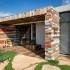 عکس - طراحی خلاقانه پوسته ورودی با ضایعات چوبی ، اثر تیم طراحی Brahma-Architects
