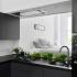 عکس - طراحی متفاوت دیوار بین کابینت در این آشپزخانه