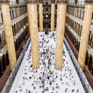 عکس - استخر رویایی توپ در موزه ملی واشنگتن