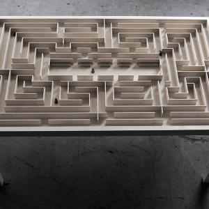 تصویر - میز سرگرم کننده لابیرنت - معماری