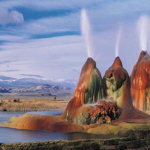 عکس - آبشار آبگرم پرواز در امریکا