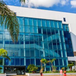 تصویر - نگاهی به کن ،محل برگزاری بزرگترین رویداد سینمایی جهان - معماری