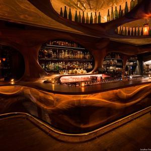 تصویر - زیبایی خیره کننده چوب در کافی شاپ Raval ، تورنتو ، اثر PARTISANS  - معماری