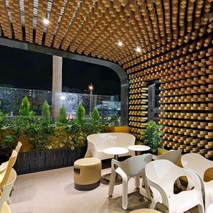 تصویر - طراحی داخلی کافی شاپ McCafe - معماری