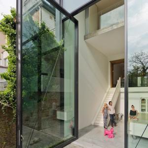 عکس - بزرگترین درب شیشه ای جهان در پروژه Antwerp