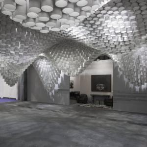 تصویر - سقفی مواج از متریال کاغذ در نمایشگاه ARCO Madrid اثر Cristina Parreño Architecture  - معماری