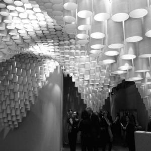 عکس - سقفی مواج از متریال کاغذ در نمایشگاه ARCO Madrid اثر Cristina Parreño Architecture