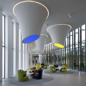 عکس - طراحی نورپردازی خاص فضای لابی