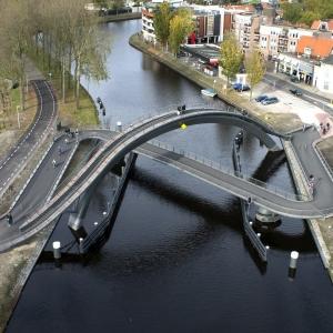 تصویر - 9 پل عابر پیاده جالب توجه از سراسر جهان - معماری