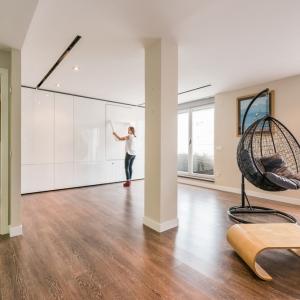 تصویر - آپارتمانی کوچک با دیوارهای متحرک - معماری