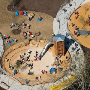عکس - پارک SHELBY ،سرزمینی برای بازی و اکتشاف کودکان