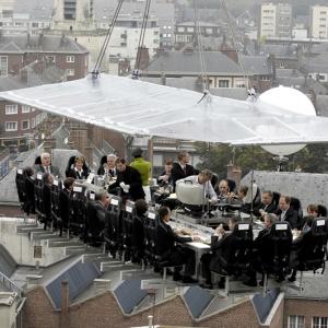 تصویر - صرف شام در آسمان،تجربه ای فراموش نشدنی - معماری