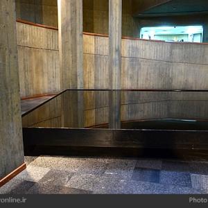 عکس - موزه هنرهای معاصر تهران , عمارت بادگیرها و ماهی نارنجی در قاب چهارسو