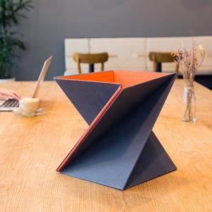 تصویر - میز قابل حمل و نقلی که زمان جمع شدن، به اندازه یک مجله می شود. - معماری