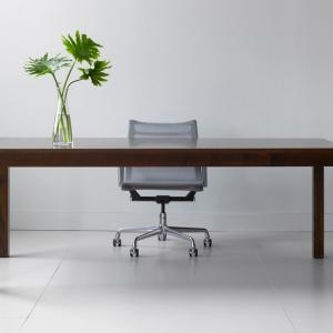 تصویر - طراحی خلاقانه میز کار ، شرکت Thos. Moser ، آمریکا - معماری