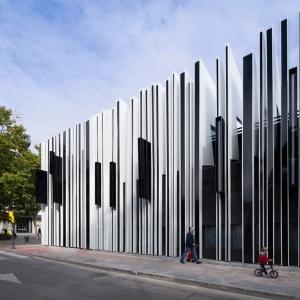 تصویر - نمای زیبای مرکز فرهنگی مادرید ،اثر تیم معماری A-cero ، اسپانیا - معماری