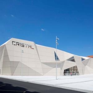 عکس - سینما Le Cristal و پلازا Michel Crespin ، اثر تیم معماری Linéaire A ،فرانسه