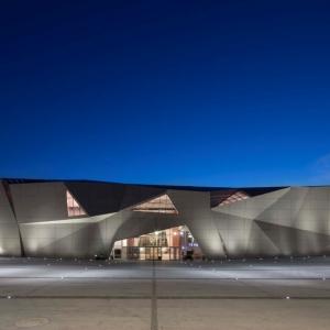 تصویر - سینما Le Cristal و پلازا Michel Crespin ، اثر تیم معماری Linéaire A ،فرانسه - معماری