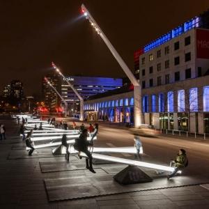 تصویر - سرگرمی جالب این روزهای ساکنان مونترال،بازی با نور و صدا - معماری