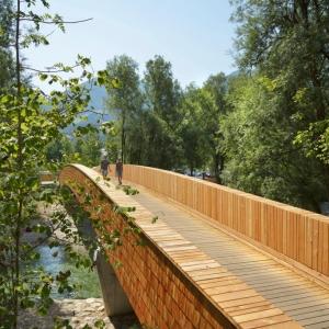 عکس - پل زیبای دوچرخه بر روی رودخانه Sava ، اثر تیم طراحی dans arhitekti، اسلوونی