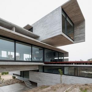 عکس - خانه ای سراسر بتن، خانه casa golf ،اثر معمار luciano kruk ،آرژانتین
