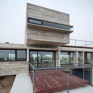 تصویر - خانه ای سراسر بتن، خانه casa golf ،اثر معمار luciano kruk ،آرژانتین - معماری