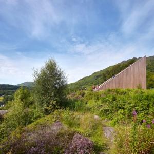 تصویر - نظرگاه هرمی شکل ، هنرنمایی بی نظیر BTE architecture ، اسکاتلند - معماری