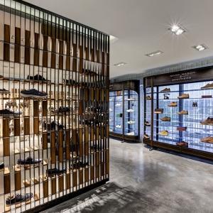 تصویر - فروشگاه کفش Skechers TR ، اثر تیم طراحی Zemberek Design ، ترکیه - معماری