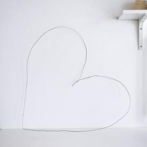تصویر - ساخت قلب هنری بر روی دیوار - معماری