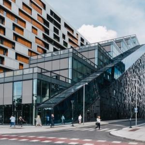 عکس - ساختمان اداری DNB با پلکان عظیم ، اثر مشاور معماری Dark Arkitekter ، نروژ