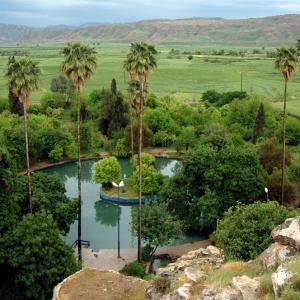 عکس - جلوه بی بدیل طبیعت در باغ توریستی چشمه بلقیس چرام