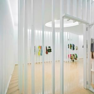 تصویر - طراحی داخلی پایدار فروشگاه پوشاک ، اثر تیم طراحی معماری Esculpir el Aire ، اسپانیا - معماری