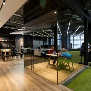 عکس - مجموعه اداری 9GAG , اثر تیم معماری LAAB Architects , هنگ کنگ