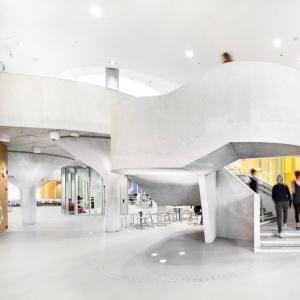 عکس - مرکز آموزشی  ورزشی Kastelli  ، اثر تیم معماری Lahdelma و Mahlamäki ، فنلاند