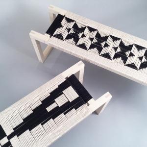 عکس - کار بافت بر روی مبلمان های چوبی