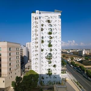 عکس - نگاهی به برج دیوار سفید ژان نوول در پایتخت قبرس