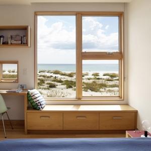 تصویر - طراحی خلاقانه میزهای کار در این خانه ساحلی - معماری
