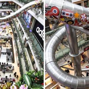 عکس - هیجان فرود از سرسره ای  عجیب در مجموعه ای تجاری در شانگهای چین