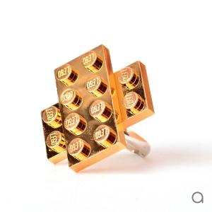 تصویر - کیف و جواهرات لگو با پوشش طلا - معماری