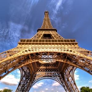 تصویر - شانس خود را برای یک شب اقامت در برج ایفل بیازمایید. - معماری