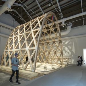 تصویر - شعر آجری سولانو بنیتز پاویون برگزیده بیینال ونیز شد - معماری