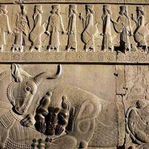 تصویر - تزئینات معماری ایران باستان در ایتالیا به نمایش در میآید - معماری