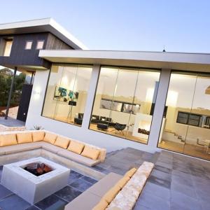 تصویر - طراحی مکانی برای استراحت و گفتگو در فضای باز - معماری