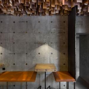 تصویر - خلق محیطی درام در طراحی داخلی رستوران Shade Burger ، اثر استودیو طراحی YOD studio ، اکراین - معماری