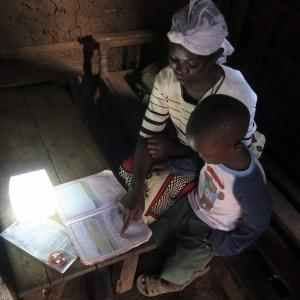 تصویر - چراغ خورشیدی Solarpuff برای موارد اضطراری و حوادث - معماری